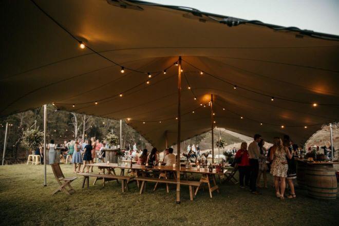 impreza w plenerze pod namiotem