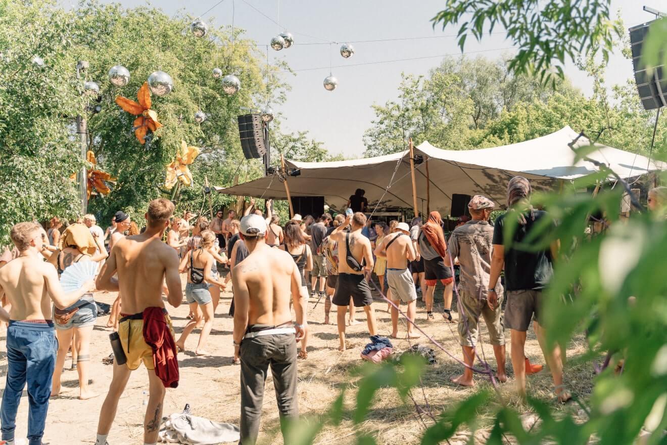 scena festiwalowa pod namiotem stretch
